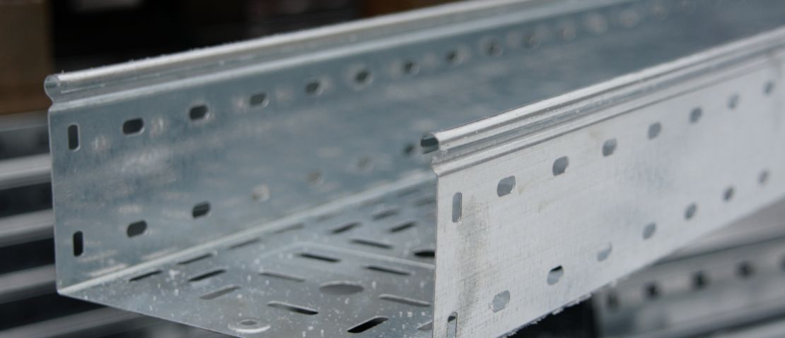 Собственное производство металлических лотков ООО «МКСэнергосистем»: оцинковка методом Сендзимира